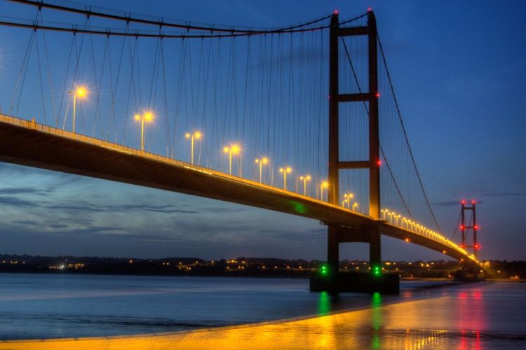 humber-bridge-evening-lights