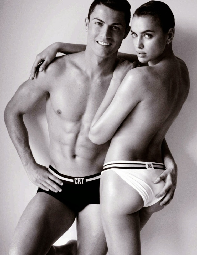 Irina-Shayk-Poses-Naked-With-Cristiano-Ronaldo-For-Vogue-Spain-1