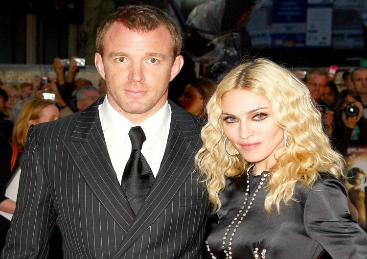1426082237_82621392_guy-ritchie-madonna-zoom