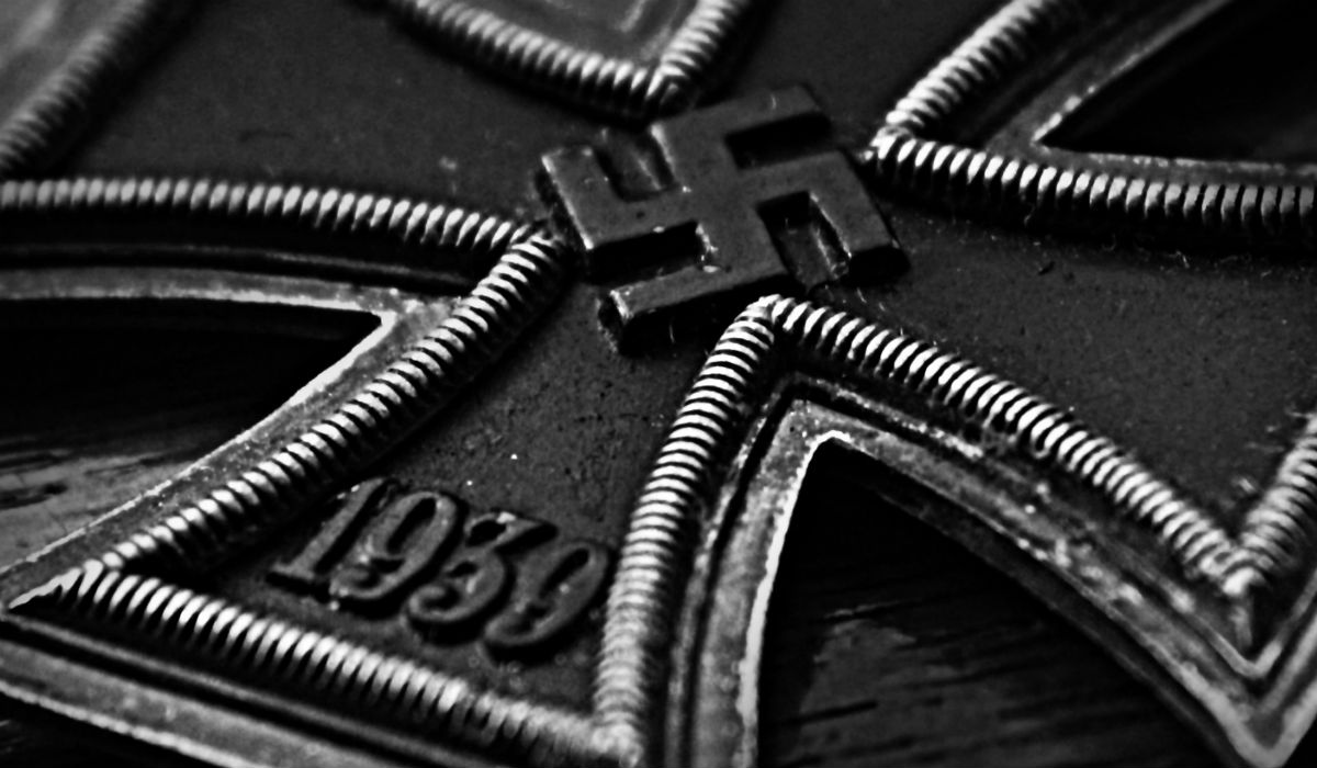 nazi_swastika_iron_cross_hd-wallpaper-1036026